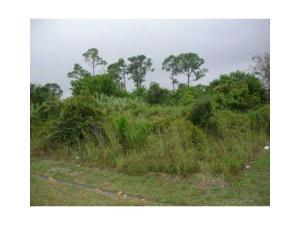 1582 Se Sandia Drive, Port Saint Lucie, FL 34953