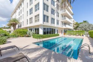 340 S Ocean Boulevard, Palm Beach, FL 33480