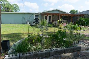 402 Nw Riverside Drive, Port Saint Lucie, FL 34983