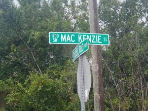 1842 Sw Mackenzie Street, Port Saint Lucie, FL 34953