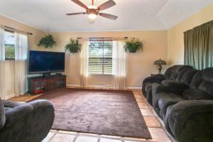 5601 Silver Oak Drive, Fort Pierce, FL 34982