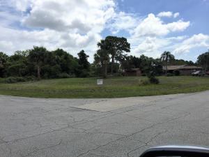 943 Sw Provincetown Lane, Port Saint Lucie, FL 34953