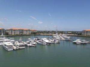 15 Harbour Isle W Drive, Fort Pierce, FL 34949