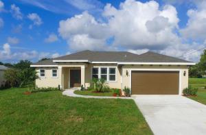 2209 Se Heathwood Circle, Port Saint Lucie, FL 34952