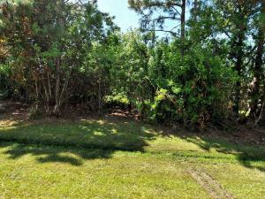 132 Sw Sea Lion Road, Port Saint Lucie, FL 34953