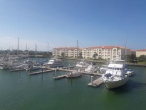 16 Harbour Isle W Drive, Hutchinson Island, FL 34949