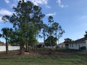 534 Sw Hamburg Terrace, Port Saint Lucie, FL 34953