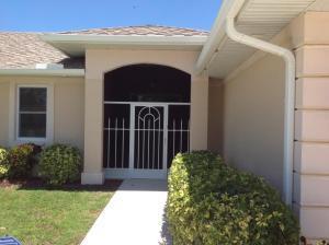 410 Se Gasparilla Avenue, Port Saint Lucie, FL 34983