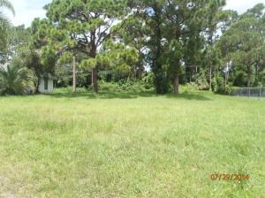 1682 Se Floresta Drive, Saint Lucie West, FL 34953