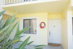 4215 Gator Trace Avenue, Fort Pierce, FL 34982