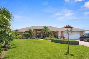 2069 Ne Ginger Terrace, Jensen Beach, FL 34957