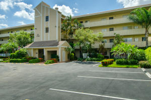 7192 Huntington Lane, Delray Beach, FL 33446