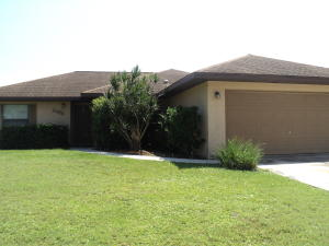 2466 Se Melon Court, Port Saint Lucie, FL 34952