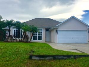 2166 Sw Gemini Lane, Port Saint Lucie, FL 34984