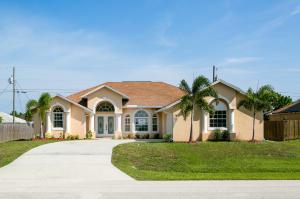 911 Sw Haas Avenue, Port Saint Lucie, FL 34953