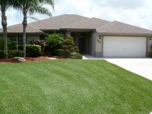 192 Park N Road, Royal Palm Beach, FL 33411
