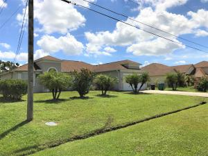 1933 Sw Hampshire Lane, Port Saint Lucie, FL 34983