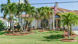 589 Se Calmoso Drive, Port Saint Lucie, FL 34953