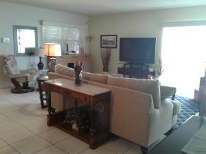 5687 Northpointe Lane, Boynton Beach, FL 33437