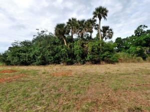702 French Creek Lane, Fort Pierce, FL 34982