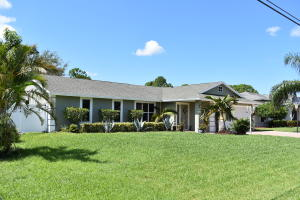 358 Sw Eyerly Avenue, Port Saint Lucie, FL 34983