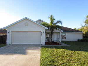 558 Sw Grove Avenue, Port Saint Lucie, FL 34983