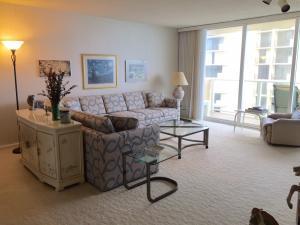 5440 N Ocean Drive, Riviera Beach, FL 33404