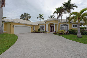 83 Aqua Ra Drive, Jensen Beach, FL 34957