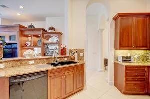 8065 Valhalla Drive, Delray Beach, FL 33446