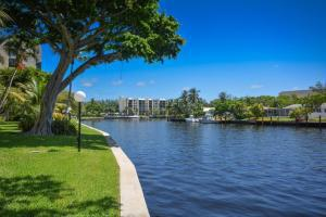 14 Royal Palm Way, Boca Raton, FL 33432