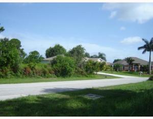 613 Sw Sansom Lane, Port Saint Lucie, FL 34953