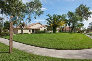 2890 Farragut Lane, West Palm Beach, FL 33409