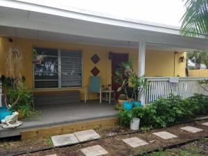 517 Putnam Road, West Palm Beach, FL 33405