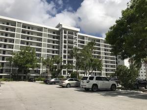 4015 W Palm Aire Drive, Pompano Beach, FL 33069