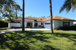 990 Sw Hunt Club Circle, Palm City, FL 34990