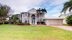 135 Dominion Court, Hutchinson Island, FL 34949