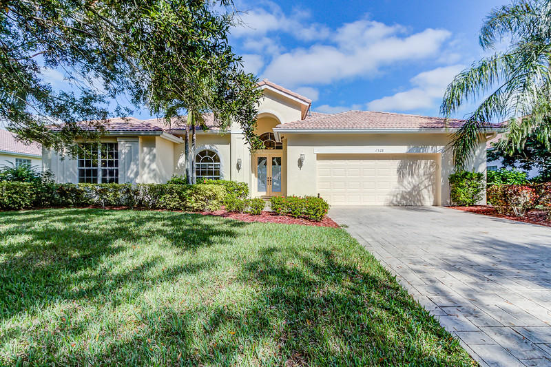 1528 Sw Mockingbird Circle, Port Saint Lucie, FL 34986