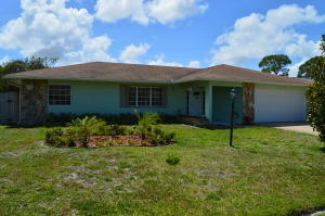 2482 Se Sidonia Street, Port Saint Lucie, FL 34952