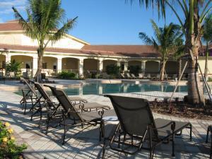 7088 Torrey Pines Circle, Port Saint Lucie, FL 34986