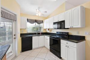 6174 Lake Hibiscus Drive, Delray Beach, FL 33484