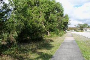422 Nw Airoso Boulevard, Port Saint Lucie, FL 34983
