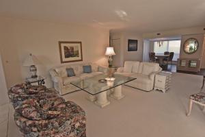 3729 Quail Ridge N Drive, Boynton Beach, FL 33436