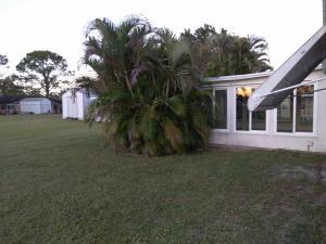 261 Sw Kentwood Sw Road, Port Saint Lucie, FL 34953