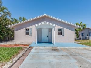 7423 Lantana Road, Lake Worth, FL 33467