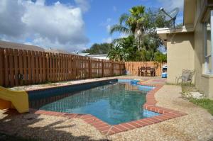 269 Nw 40th Terrace, Deerfield Beach, FL 33442
