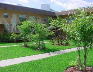 240 Croton Avenue, Lantana, FL 33462