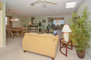 8400 Gallberry Circle, Port Saint Lucie, FL 34952