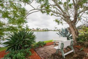2307 Sw 23rd Cranbrook Drive, Boynton Beach, FL 33436