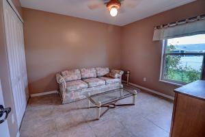 634 Se Strait Avenue, Port Saint Lucie, FL 34953