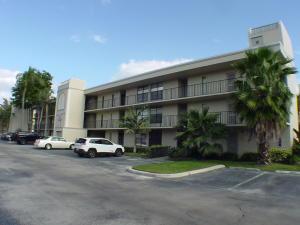 16 Royal Palm Way, Boca Raton, FL 33432